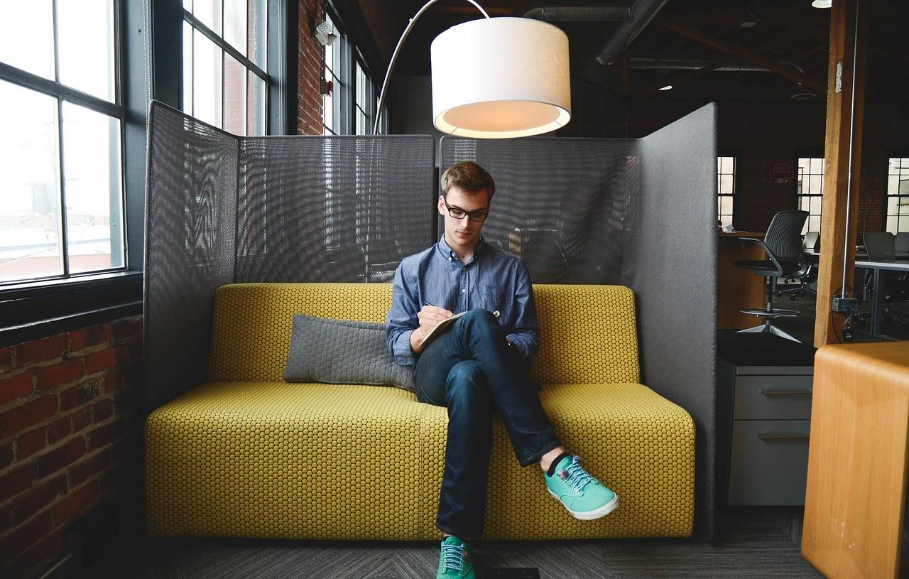 DESK_Coworking_Empreendedorismo_e_Consultoria_pequenas_ideias_para_tornar_pequenos_negocios_lucrativos