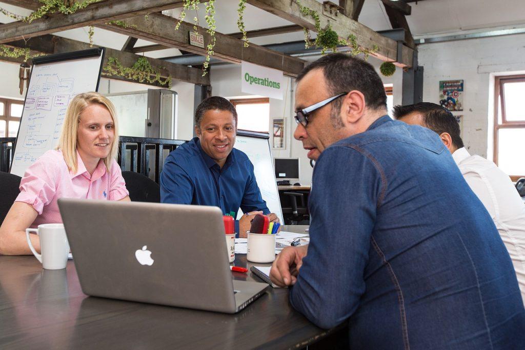 Por que começar o seu negócio em um coworking?