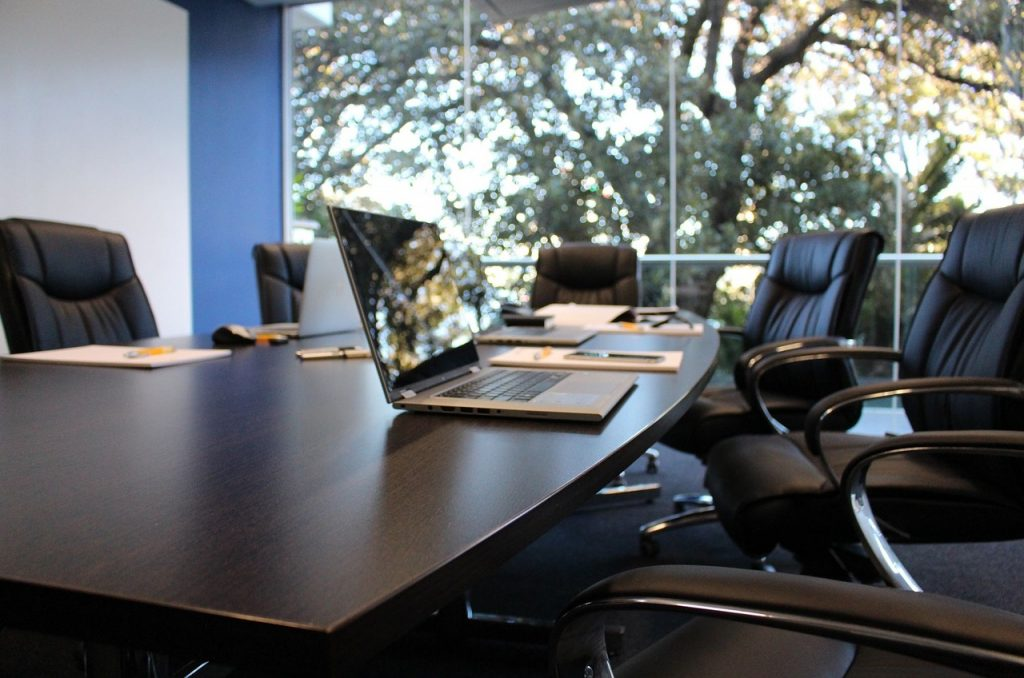 Salas de reunião: mais uma comodidade do coworking pra você