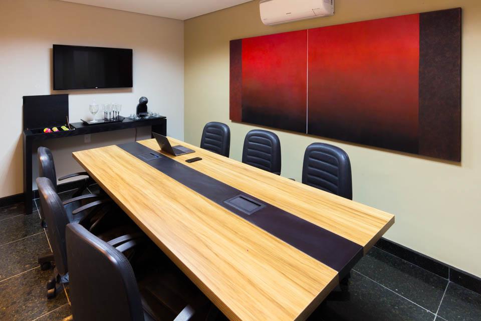 Sala-de-reuniao-desk-coworking
