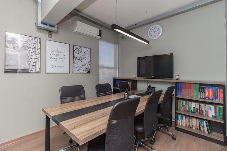 sala de reuniao 02 desk coworking