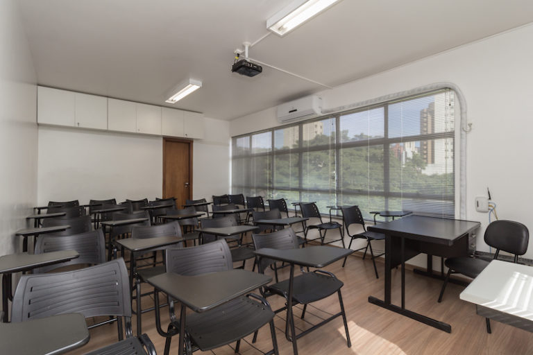 sala de treinamento-desk-coworking